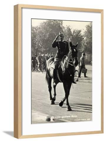König Von Dänemark Christian X Auf Einem Pferd--Framed Art Print