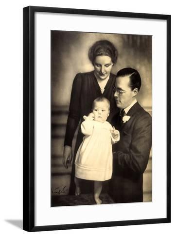 Prinzessin Juliana, Prinz Bernhard, Beatrix--Framed Art Print