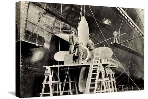 Schiffsschraube Der Ms Milwaukee Der Hapag--Stretched Canvas Print