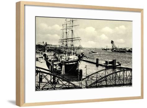 Hamburg, Hafen, Angelegtes Segelschiff Seute Deern--Framed Art Print