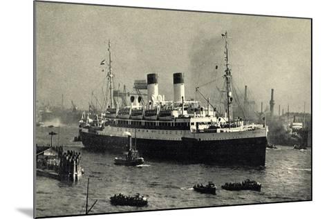 HSDG,Zweischrauben Motorschiff Im Begleitung,Dampfer--Mounted Giclee Print