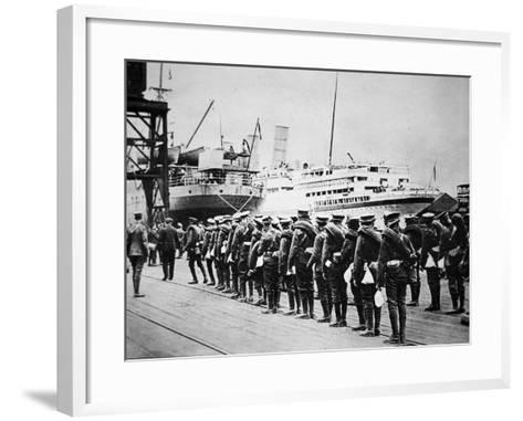 Troops of the British Expeditionary Force Embarking on a Troopship for France, 1914--Framed Art Print