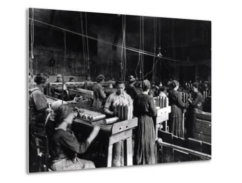 Women Polishing Shells in the Gillet Arms Factory in Lyon, 2nd July 1917--Metal Print