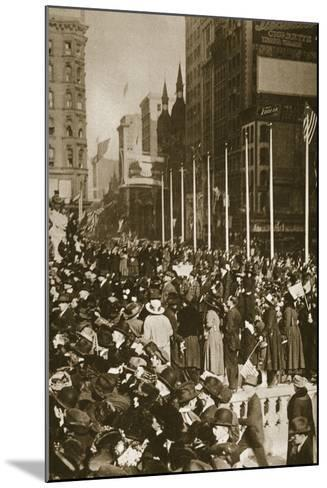When Peace Came, 1918--Mounted Photographic Print