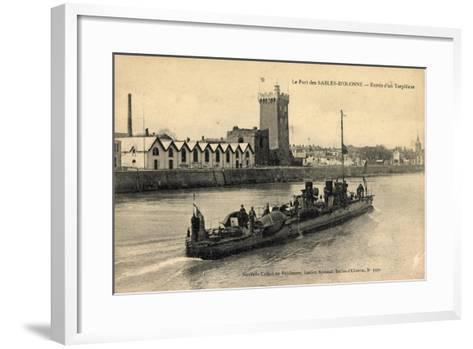Le Port Des Sables D'Olonne, Entrée D'Un Torpilleur--Framed Art Print