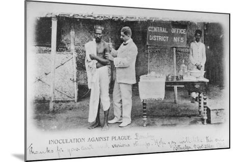 Inoculation Against Plague in Bombay, Early 20th Century--Mounted Photographic Print
