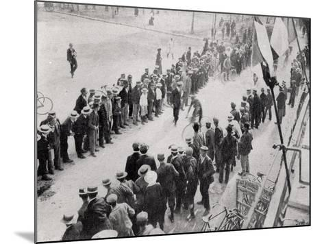 Arriving in Valence, 2nd Stage of the First Tour De France, from 'Le Monde Illustre'--Mounted Photographic Print