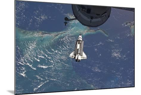 Space Shuttle Atlantis over the Bahamas--Mounted Photographic Print