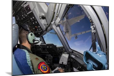 A C-17 Globemaster Iii Approaches a Kc-10 Extender--Mounted Photographic Print