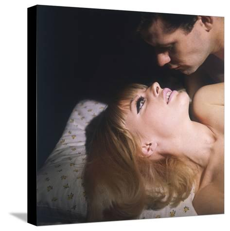 Passionate Couple--Stretched Canvas Print