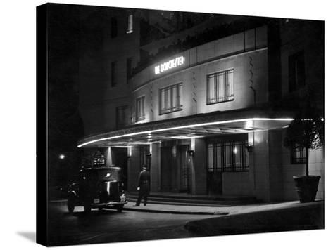 Dorchester Hotel 1930S--Stretched Canvas Print
