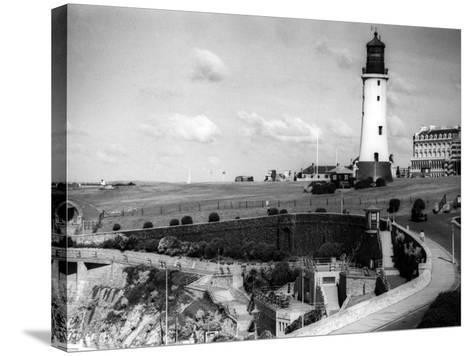 England, Plymouth Hoe--Stretched Canvas Print