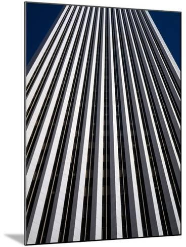 Low Angle View of the Aon Center, Chicago Loop, Chicago, Cook County, Illinois, USA--Mounted Photographic Print
