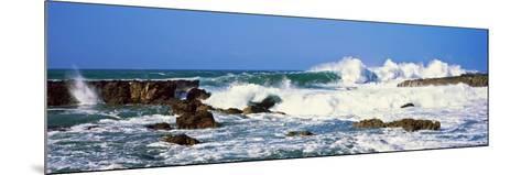Waves Breaking at Rocks, Hawaii, USA--Mounted Photographic Print