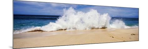 Breaking Waves on the Beach, Oahu, Hawaii, USA--Mounted Photographic Print