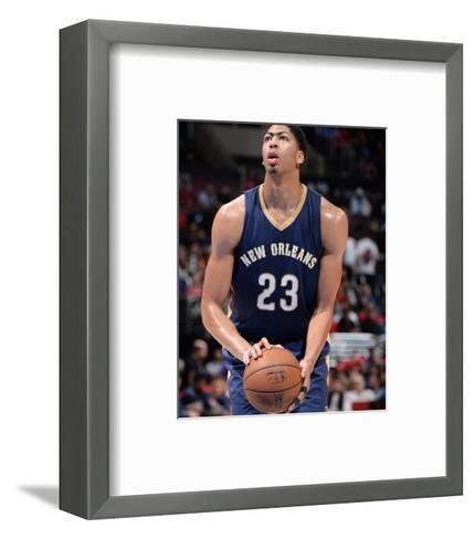 New Orleans Pelicans v Los Angeles Clippers-Andrew D Bernstein-Framed Art Print