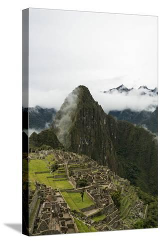 Machu Picchu, UNESCO World Heritage Site, the Sacred Valley, Peru, South America-Ben Pipe-Stretched Canvas Print