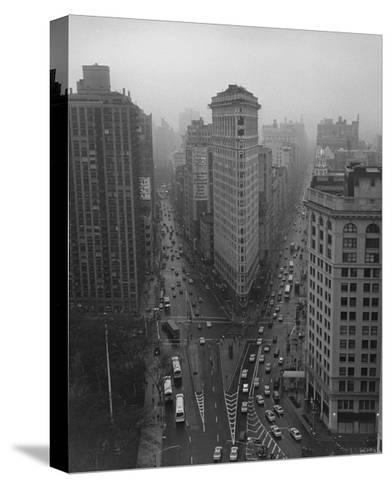 Flatiron Building, New York City-Henri Silberman-Stretched Canvas Print
