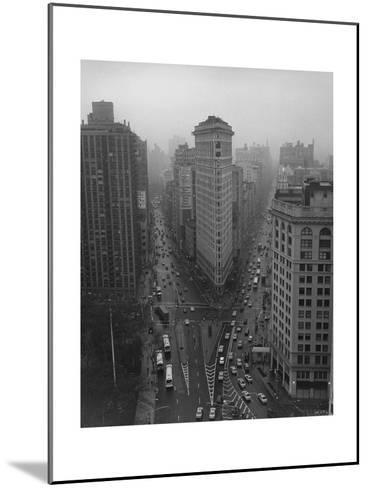 Flatiron Building, New York City-Henri Silberman-Mounted Photographic Print