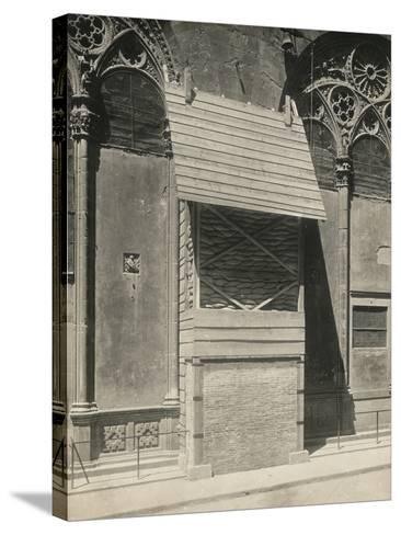 Protection of One of the External Niches of Orsanmichele During the First World War, Florence-Giuseppe Giani-Stretched Canvas Print