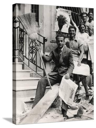 Some Youths with the Newspaper Futurismo-Luigi Leoni-Stretched Canvas Print