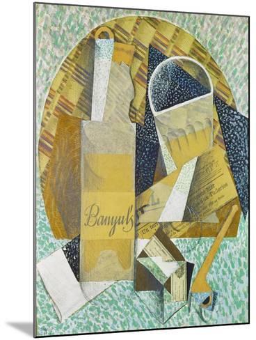 Bouteille De Banyuls, 1914-Juan Gris-Mounted Giclee Print
