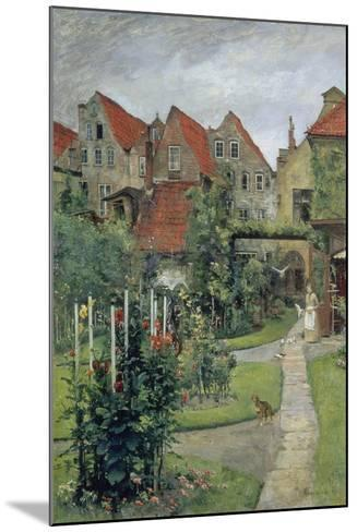 Urban Garden in Luebeck (Johannisstrasse 64), 1891-Hermann Linde-Mounted Giclee Print