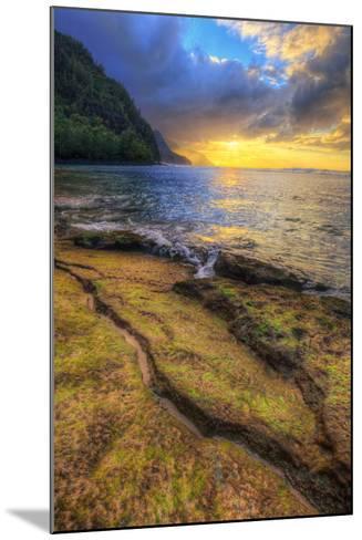 Day's End at Ke'e Beach, Na Pali Coast, Kauai-Vincent James-Mounted Photographic Print