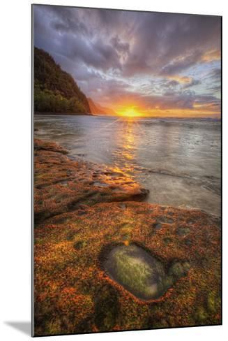 Sunset at Ke'e Beach, Na Pali Coast, Kauai Hawaii-Vincent James-Mounted Photographic Print