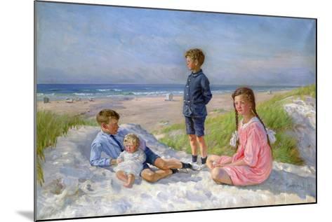 Erik, Else, Ove and Birthe Schultz on the Beach, 1919-Gabriel Jensen-Mounted Giclee Print