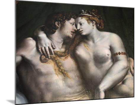 Love Scene, 16th Century-Giulio Romano-Mounted Giclee Print