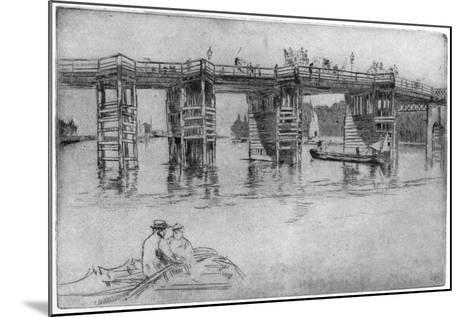 Old Putney Bridge, 1879-James Abbott McNeill Whistler-Mounted Giclee Print