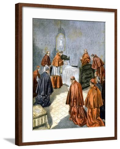 Pope Leo XIII Receiving the Last Rites on His Deathbed, 1903--Framed Art Print