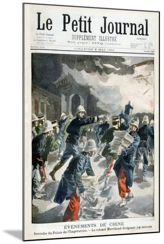 Events in China, Incident at the Imperial Palace, 1901--Mounted Giclee Print
