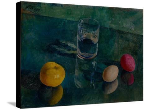 Still Life Against a Green Background, 1924-Kuzma Sergeyevich Petrov-Vodkin-Stretched Canvas Print
