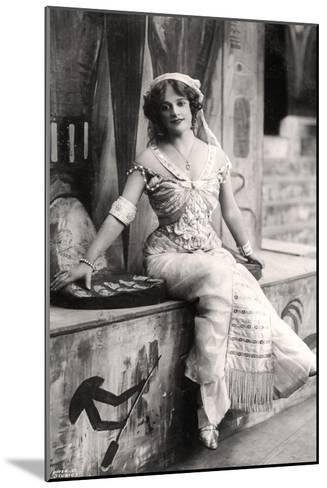 Madge Vincent, Singer and Actress, 1900s--Mounted Giclee Print