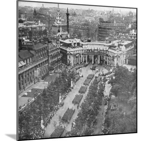 Victory Parade Passing Through the Admiralty Arch and Down the Mall, 19th July, 1919--Mounted Giclee Print