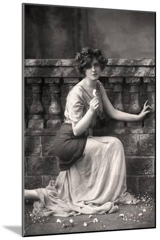 Gabrielle Ray (1883-197), English Actress, 1900s-W&d Downey-Mounted Giclee Print