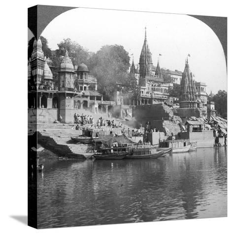 A Burning Ghat on the Ganges at Benares (Varanas), India, 1900s-Underwood & Underwood-Stretched Canvas Print