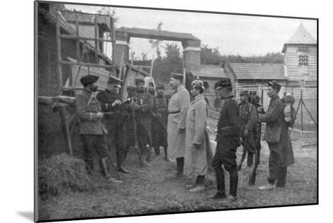 Interrogation of German Prisoners, France, August 1914--Mounted Giclee Print