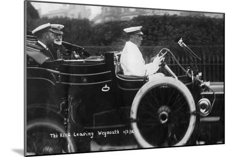 King George V Leaving Weymouth, Dorset, by Car, 11th March 1912--Mounted Giclee Print
