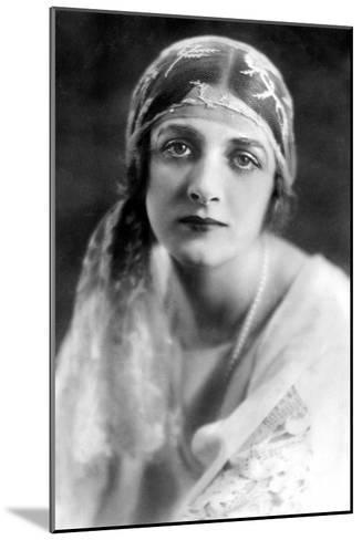 Gladys Cooper (1888-197), English Actress, 1900s-Bertram Park-Mounted Giclee Print