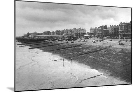 The West Sea Front, Worthing, West Sussex, C1900s-C1920S--Mounted Giclee Print