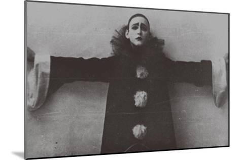 Alexander Vertinsky as Pierrot, 1918--Mounted Giclee Print