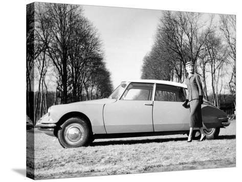 Model with a 1957 Citro?n Id 19, C1957--Stretched Canvas Print