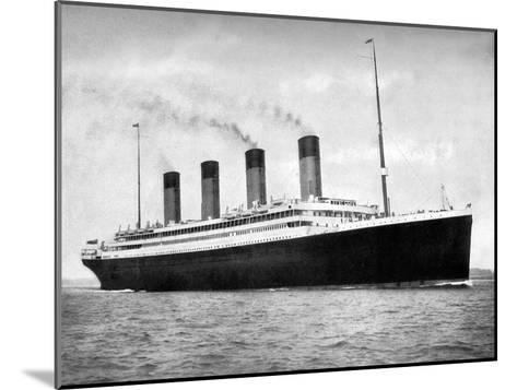 RMS Olympic, White Star Line Ocean Liner, 1911-1912-FGO Stuart-Mounted Giclee Print