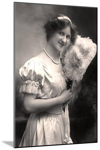 Nina Sevening, British Actress, Early 20th Century- Lemeilleur-Mounted Giclee Print