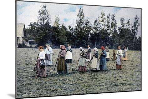 Haymaking around Moscow, Russia, C1890- Gillot-Mounted Giclee Print