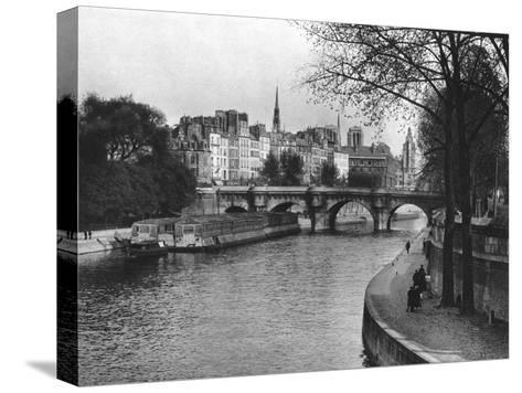 L'Ile De La Cite, Paris, 1937-Martin Hurlimann-Stretched Canvas Print