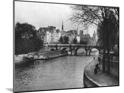L'Ile De La Cite, Paris, 1937-Martin Hurlimann-Mounted Giclee Print